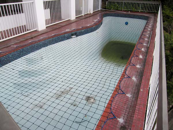 Pool Safety Net on empty pool
