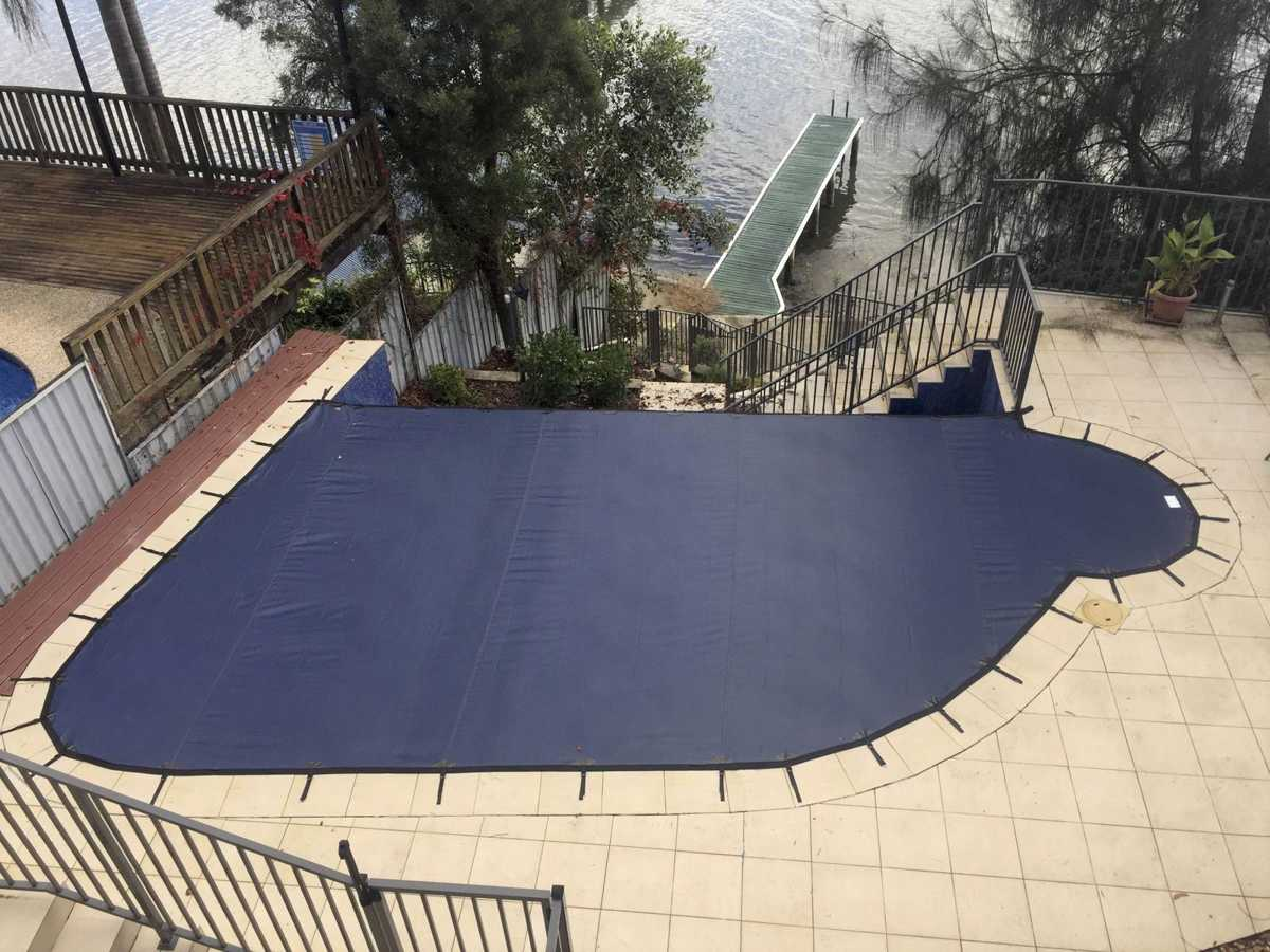 Infinity edge pool cover