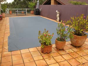 Swimming pool winter Shutdown Cover